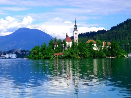 chapel on island, Bled 520